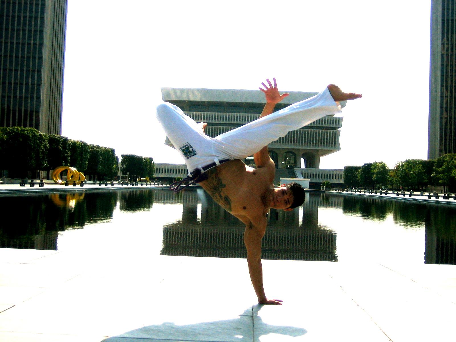 Formando Aranha | Capoeira Brasil San Francisco